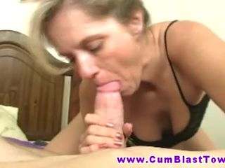 Amateu mature free handjob video